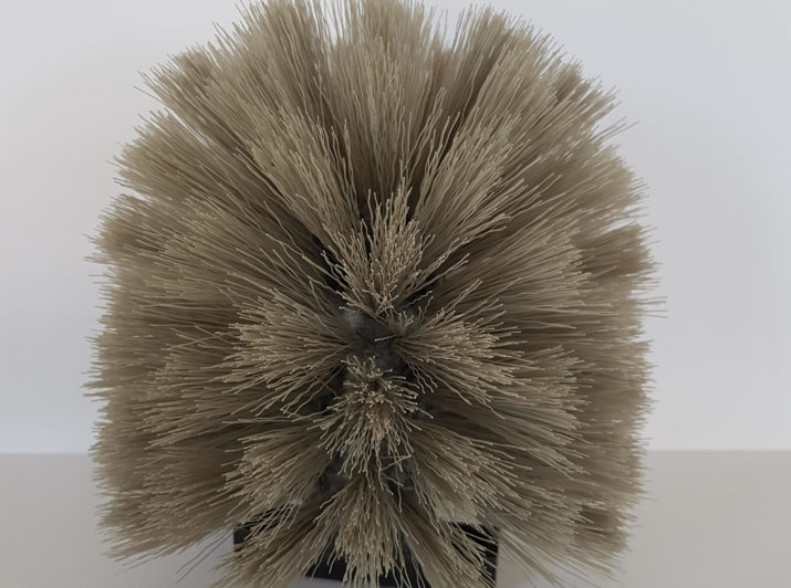 dome-threaded-cobweb-brush
